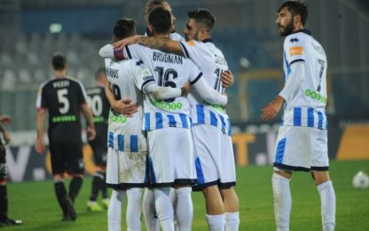 Il Pescara torna in testa, 2-0 al Carpi