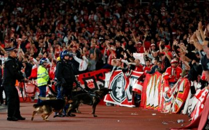 Londra, caos tifosi Colonia: Uefa apre inchiesta
