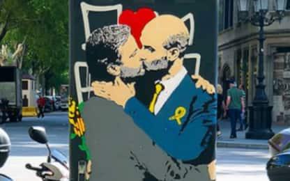 Pep e Mou, sul murales un bacio appassionato