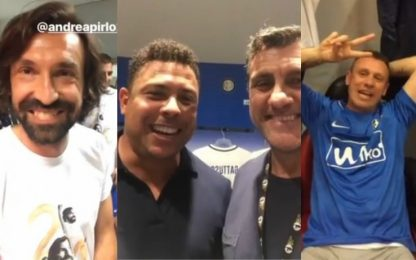 Schiaffi, gag e risate: Vieri show a San Siro