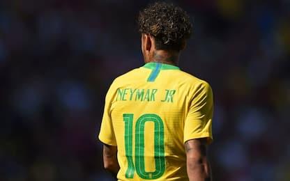 """Neymar: """"10 del Brasile? Obbligato da Dani Alves"""""""
