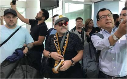 Maradona, che folla per il primo abbraccio: VIDEO