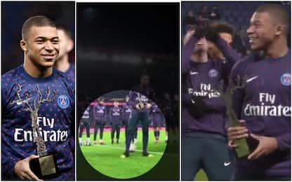 Mbappé mostra il premio, Verratti gli fa tunnel