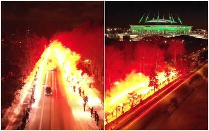 Tifosi Zenit, verso lo stadio tra due ali di fuoco