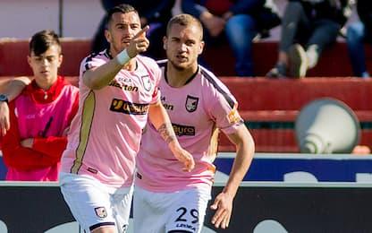Palermo frena a Cosenza, vincono Perugia e Crotone