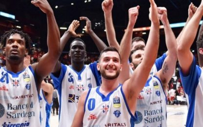 Sassari, altra impresa a Milano: Olimpia sotto 0-2