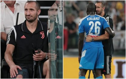 Chiellini in stampelle consola Koulibaly. VIDEO