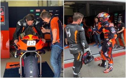 Dallo slalom alla MotoGP, Hirscher prova la KTM