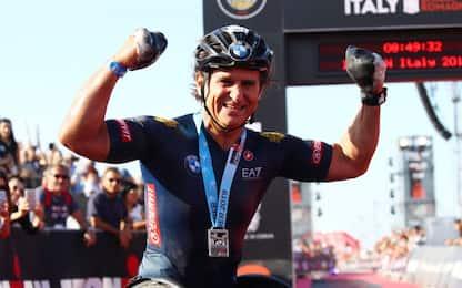 Zanardi infinito, batte il proprio record Ironman