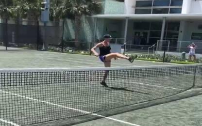 Pennetta, che colpi: sfida Vieri a footvolley
