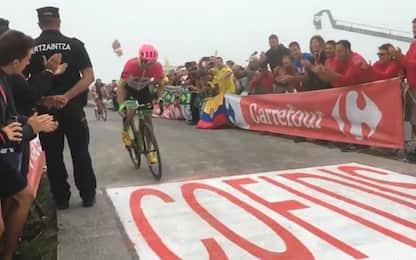 Vuelta: Woods spunta nella nebbia, Yates in rosso