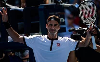 Federer passeggia con Goffin: è ai quarti