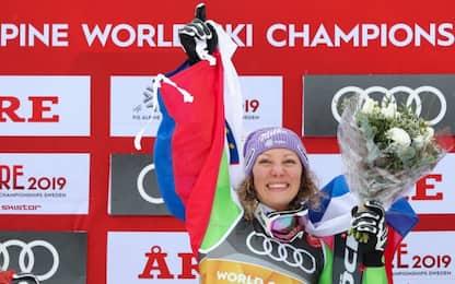 Discesa: vince Stuhec, Vonn di bronzo. Goggia 15^