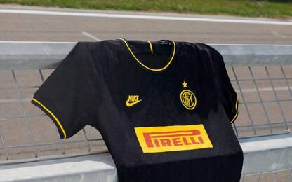Inter, la terza maglia è gialla e nera. FOTO