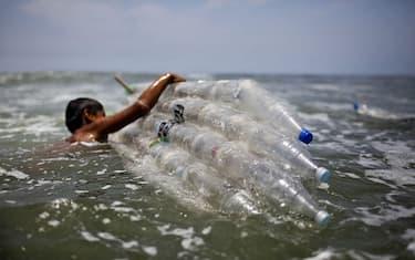 Getty_Images_Plastica_mare