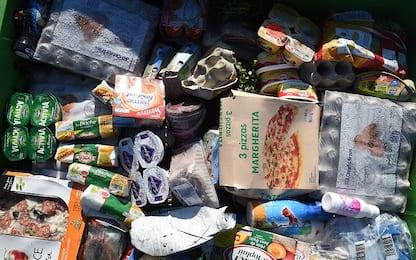 """Spreco alimentare, ogni famiglia """"cestina"""" 360 euro all'anno"""