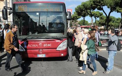 Trasporto pubblico al palo in Italia. Roma maglia nera