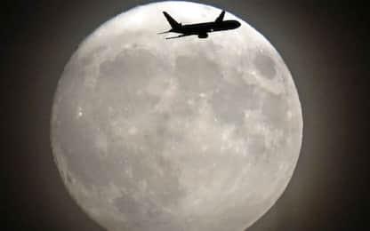 La Luna perde 200 tonnellate di acqua all'anno a causa dei meteoriti