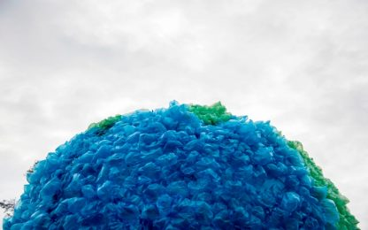 Sviluppata una nuova plastica infinitamente riciclabile. Lo studio