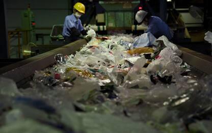 Plastica, Ue ricicla solo 4%. Obiettivo: dieci tonnellate nel 2025