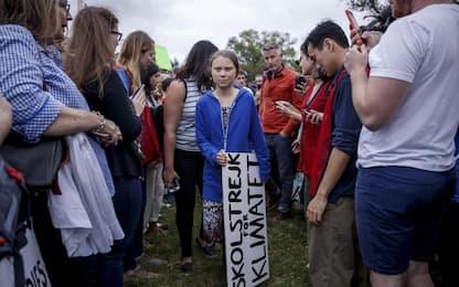 Greta Thunberg, sit-in davanti alla Casa Bianca. LE FOTO