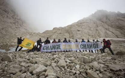 Legambiente, il requiem al ghiacciaio Calderone sul Gran Sasso. VIDEO