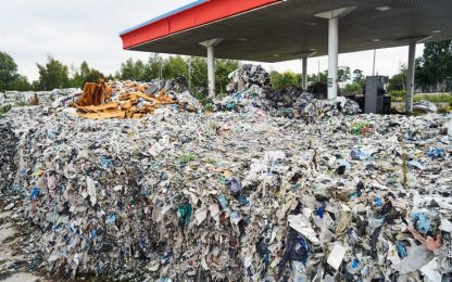 Greenpeace: tonnellate di rifiuti italiani smaltiti in Polonia. VIDEO