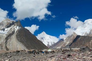 Pakistan: tre scalatori dispersi sul K2, salva un'italiana