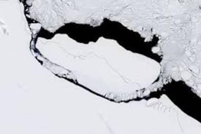 Antartide, iceberg più grande al mondo alla deriva nell'Atlantico