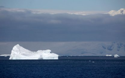 La fusione del ghiaccio marino ai poli influenza il clima dei tropici