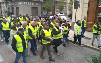 Gilet gialli in corteo anche a Taranto