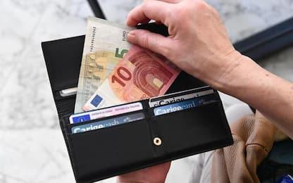 Trova portafoglio e lo restituisce