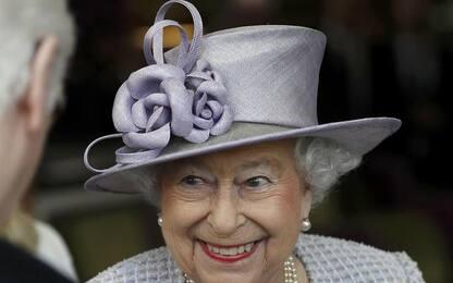 A 9 anni scrive alla Regina Elisabetta, Sua Maestà risponde