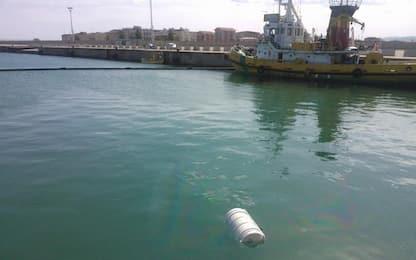 Cadavere acque porto Corigliano Rossano