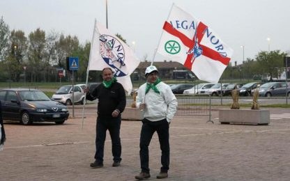 Tour Lega con esponenti estrema destra