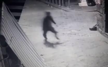 Sorbillo, nuovo video mostra l'attentato alla pizzeria