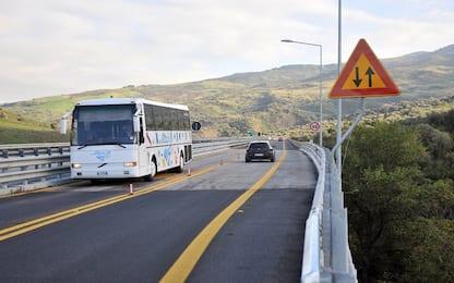 Salta un giunto nel viadotto Fiumetorto sulla Palermo-Catania, disagi