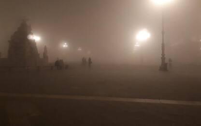 Meteo: centro Trieste immerso nella nebbia