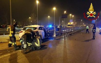 Auto contro guardrail, un morto a Vicenza