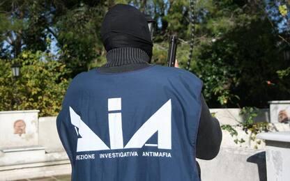 Napoli, intimidazioni a imprenditore vincitore di appalto: 2 arresti