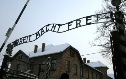 La superstite di Auschwitz: file di migranti come quelle degli ebrei