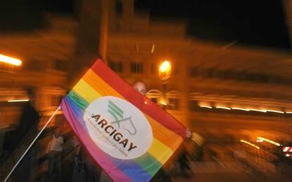 Arcigay denuncia caso di omofobia: 3 ragazzi insultati nel Siracusano