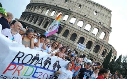 """Gay Pride a Roma, Famiglie arcobaleno: """"Il Governo vuole cancellarci"""""""