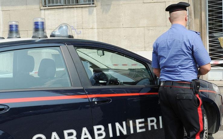 Milano, ruba abiti per 4mila euro in negozio di via Montenapoleone: arrestato