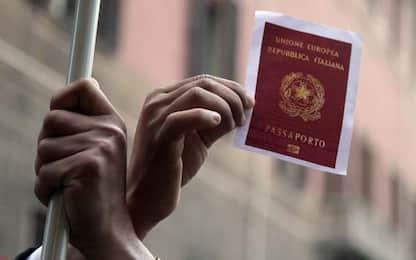 Torino, espulso torna in Italia ma agenti lo riconoscono: arrestato