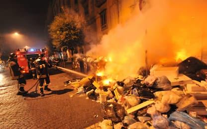 Rivoli, incendia cassonetti di rifiuti: arrestato piromane 59enne