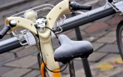 Ruba una bicicletta del bike sharing, 18enne denunciato a Torino