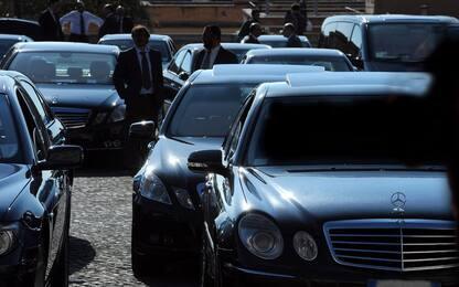Polemica su bandi del governo per 8.280 auto blu