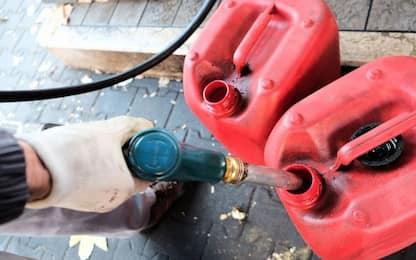 Napoli, furto di gasolio in un'azienda: arrestato 49enne