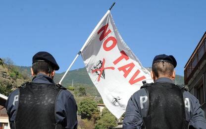 Val di Susa, pomeriggio di tensioni tra No Tav e forze dell'ordine